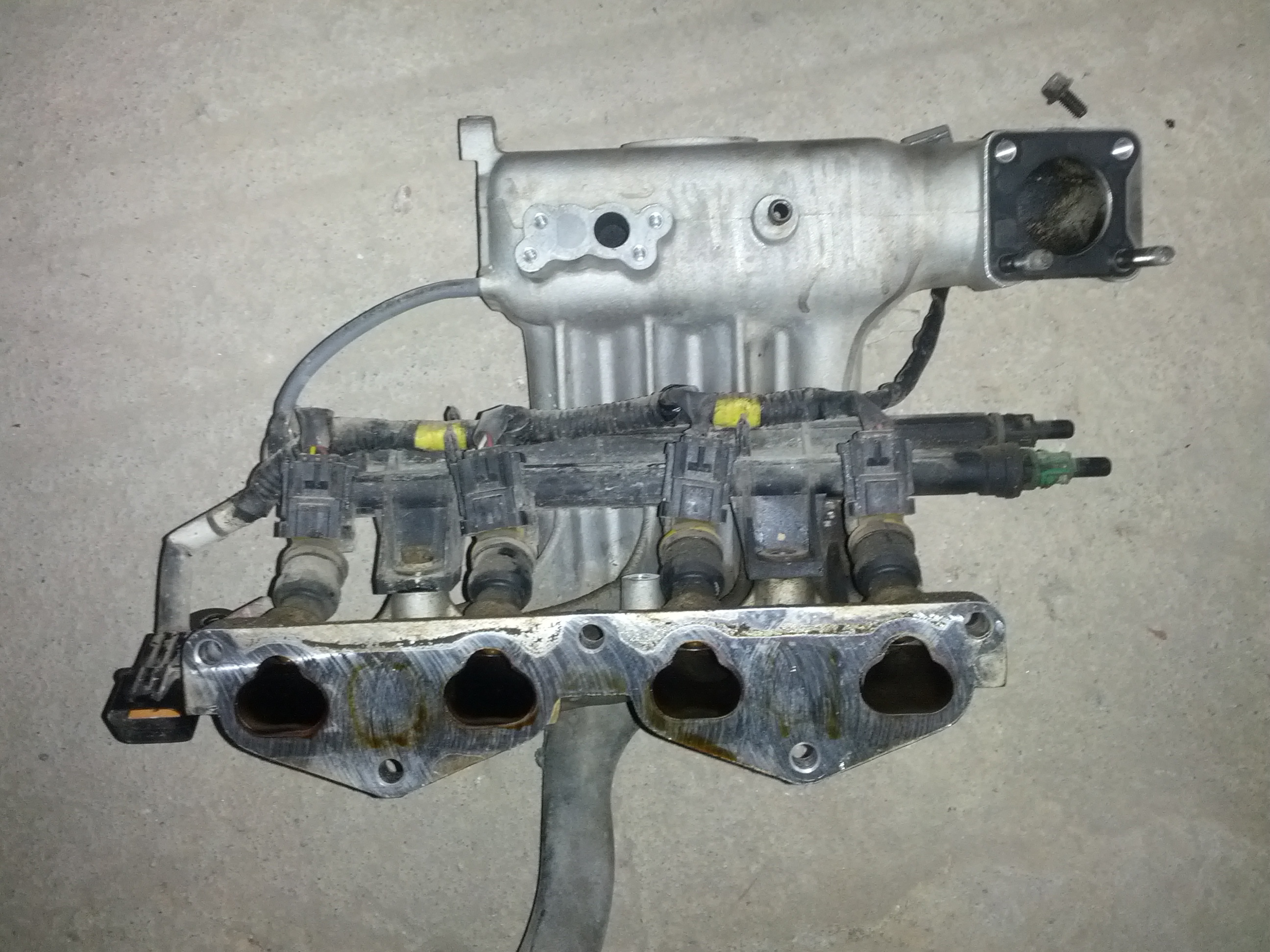 04-manifold-with-injectors